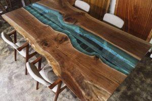 Столы из слэбов река