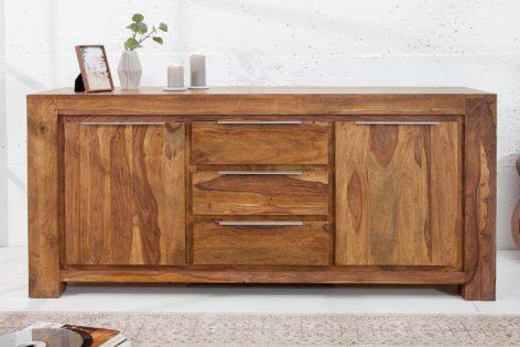 большой деревянный комод в спальню