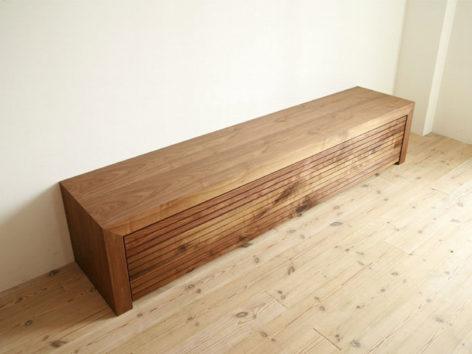деревянный комод в гостинную