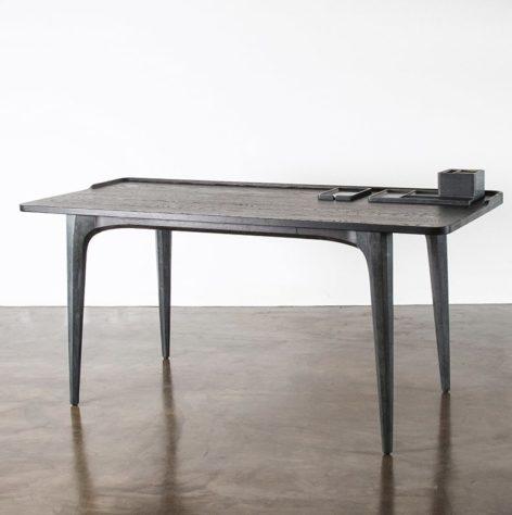 дорогой письменный стол