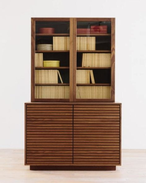 классический шкаф для книг