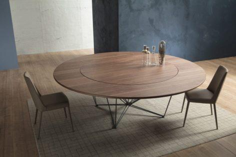 круглый стол из дуба