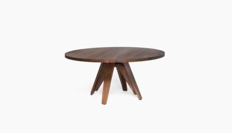 круглый стол из массива дерева
