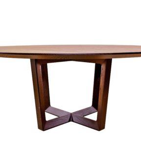 большой круглый стол