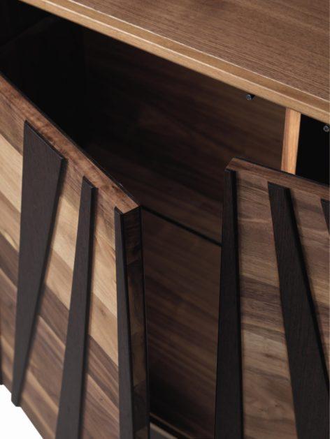деревянный комод в современном стиле