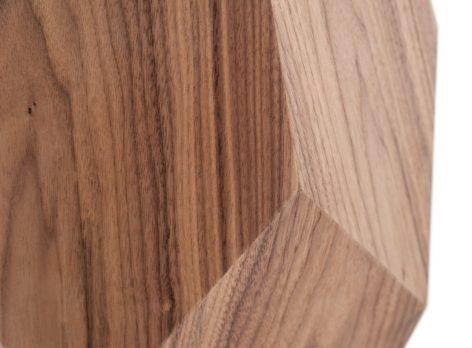 деревянное подножье кофейного стола