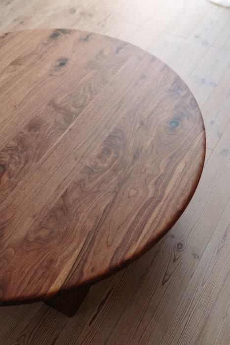 кофейный стол из дуба круглый