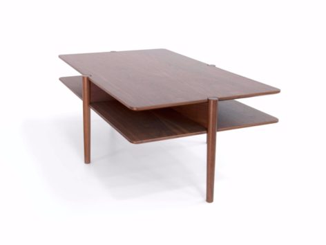 кофейный стол на ножках
