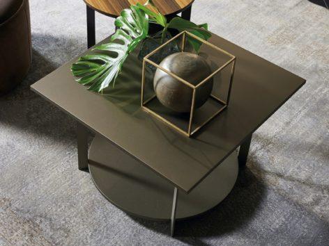 кофейный столик в гостиную