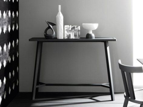 консольный стол в гостинную из дерева
