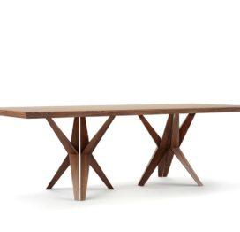 красивый обеденный стол