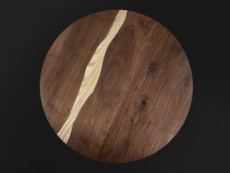 круглый стол из ореха и карагача