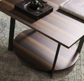 квадратный стильный стол