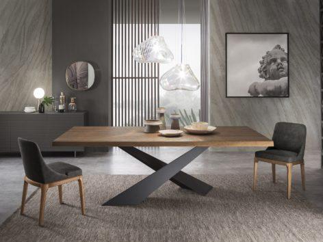 обеденный стол из массива