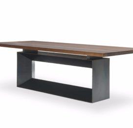 обеденный стол в стиле индастриал