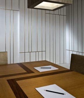переговорный стол для 10 человек