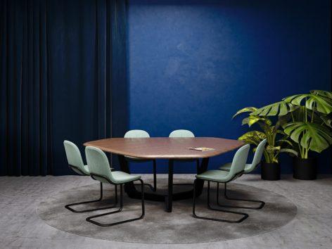 переговорный стол из дерева