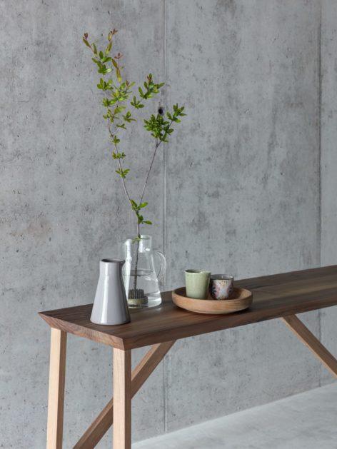 современный консольный стол из дерева
