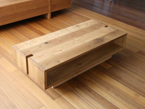 стильный кофейный стол