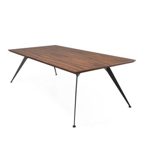 стол из дерева на кухню