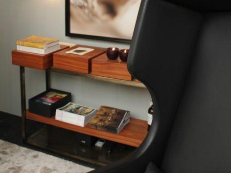 стол с ящиками для прихожей