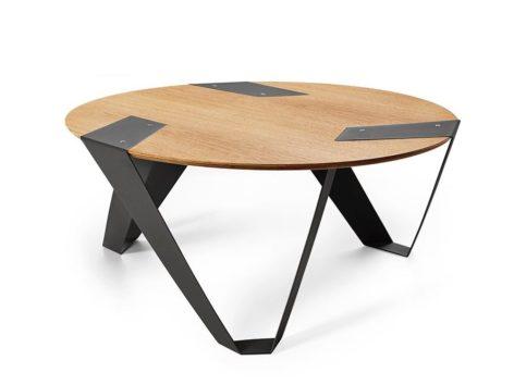 светлый кофейный столик