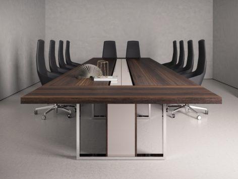 темный переговорный стол
