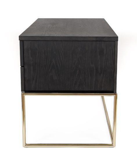 темный письменный стол
