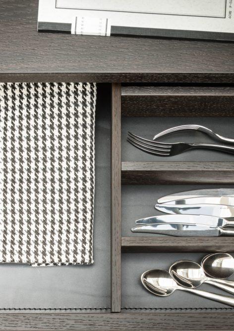 тумба для посуды в гостиную