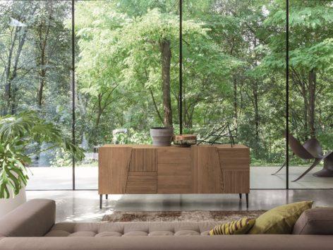 тумба в гостиную из дерева