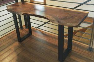консольный стол из слэба
