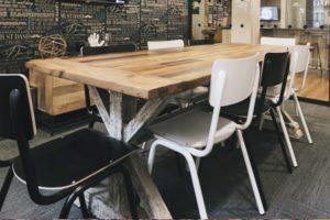 переговорный стол из слэбов