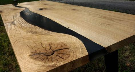 уникальный стол из слэба дуба и смолы