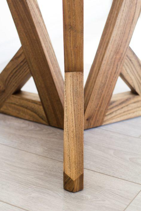 средний стол из массива