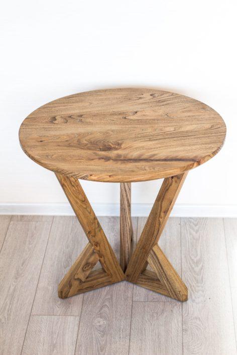 стильный стол из массива карагача